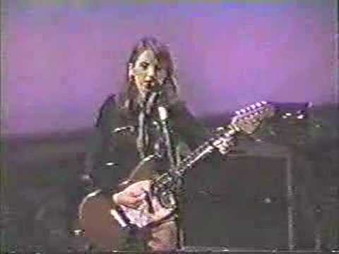 Liz Phair - Fuck & Run Live 1995 from YouTube · Duration:  3 minutes 32 seconds