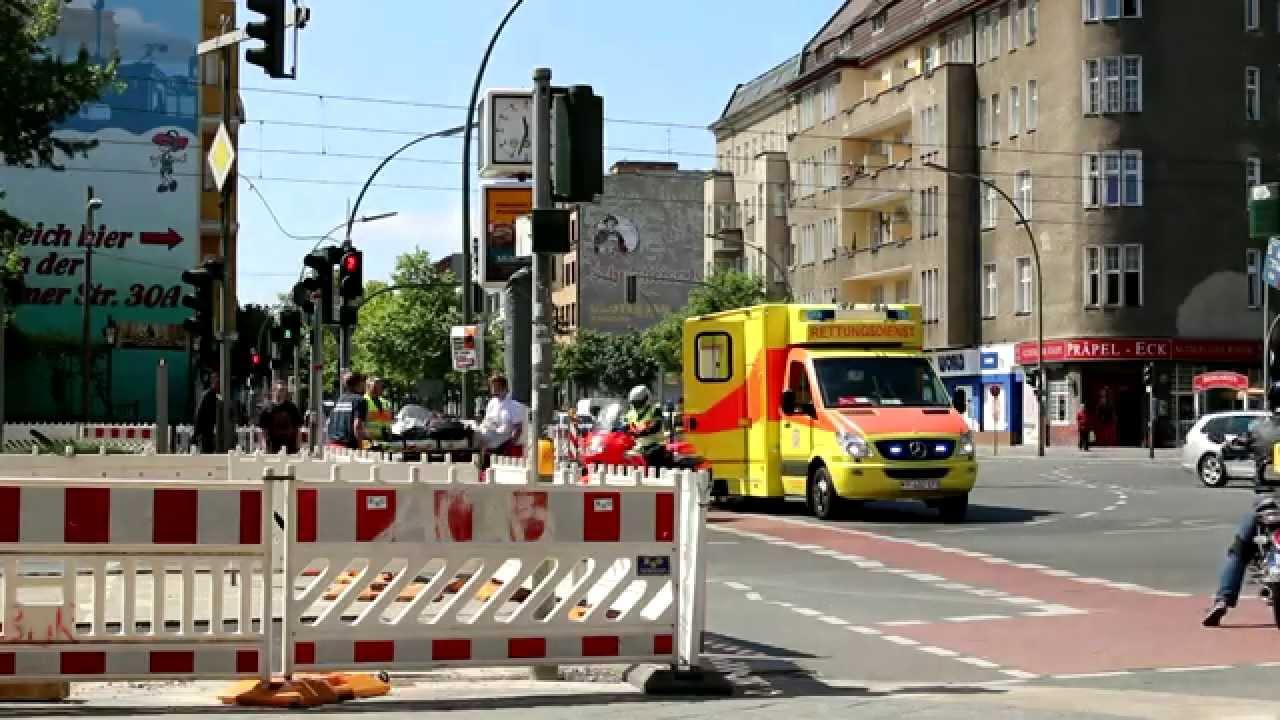 RTW Osloer str. / Prinzenallee Berlin-Gesundbrunnen - YouTube