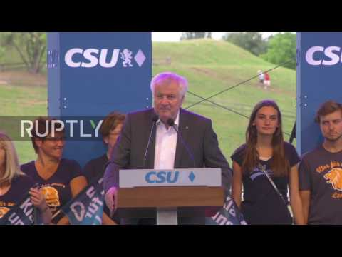 Germany: We need 'our law and order, not Arabic states' – Seehofer launches CSU manifesto