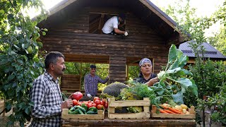 Harvesting Vegetables and Cooking Dinner for Wooden House Builders, Funny Pets