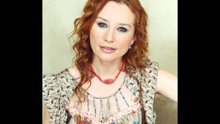 Tori Amos - Snow Cherries from France Live