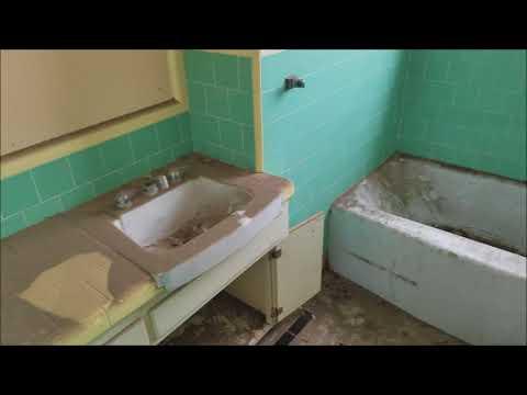 Abandoned Home In Idaho Falls