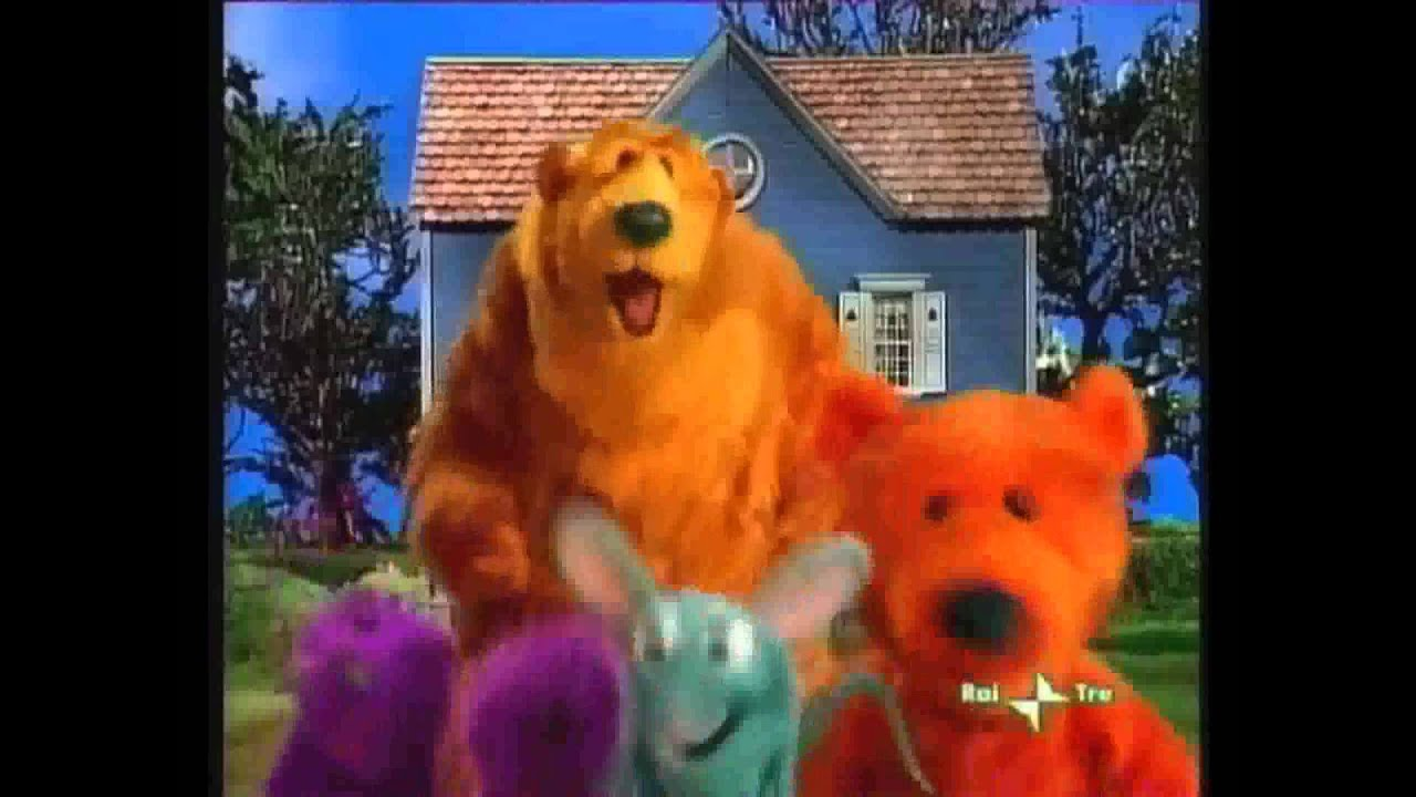 Bear nella grande casa blu sigla iniziale youtube for Affittare una cabina grande orso