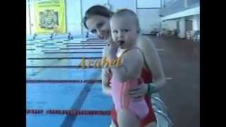 Amazing baby ! Incredible child swims at 1 year! Salt in the pool without fear ! Amazing !