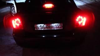 видео Ремонт фар Toyota Avensis своими руками Часть 2 Снятие фары с автомобиля