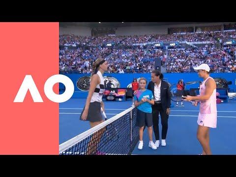 Petra Kvitova and Ashleigh Barty on-court warm up (QF) | Australian Open 2019