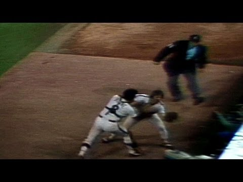 80WS Gm6: Boone drops it but Rose catches it