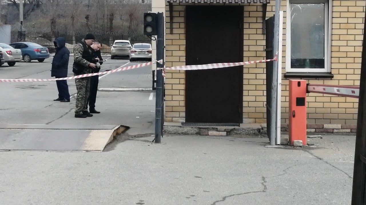 Убийство на входе в УБЭП в Волгограде: на месте работает ...