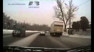 Занесло52] ДТП! Авария! Видеорегистратор(, 2014-04-25T23:25:03.000Z)