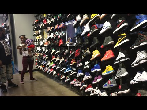 SHOPPING AT SNEAKER OUTLETS IN ORLANDO FLORIDA