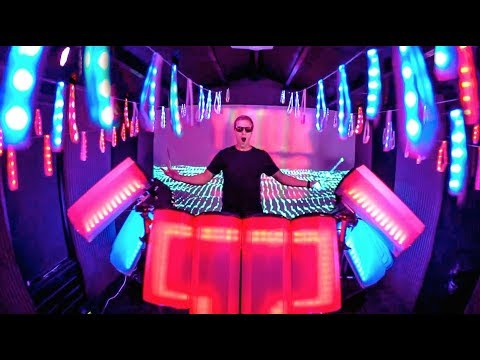 THIS WILL LOOK EPIC LIVE!!!!! (Visual DJ controls LED Wristbands)