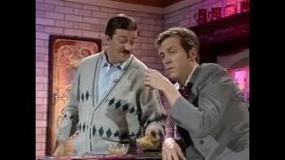 Шоу Фрая и Лори - Жена (A Bit of Fry & Laurie - Barman)