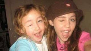 Noah Cyrus and Miley Cyrus Singing Driveway + Download link