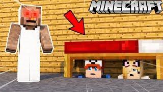 CZY BABUNIA NAS ZŁAPIE?! *straszne* (Minecraft Granny Horror Map)   Vito i Bella