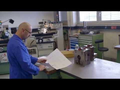 Vidéo de mécanicien/ne-outilleur/euse