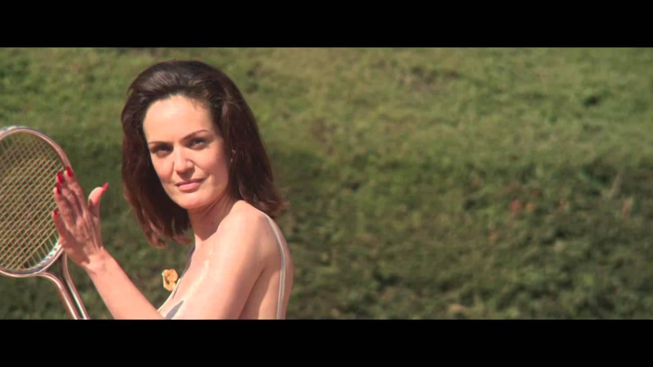 el-columpio-asesino-babel-video-oficial-mushroom-pillow