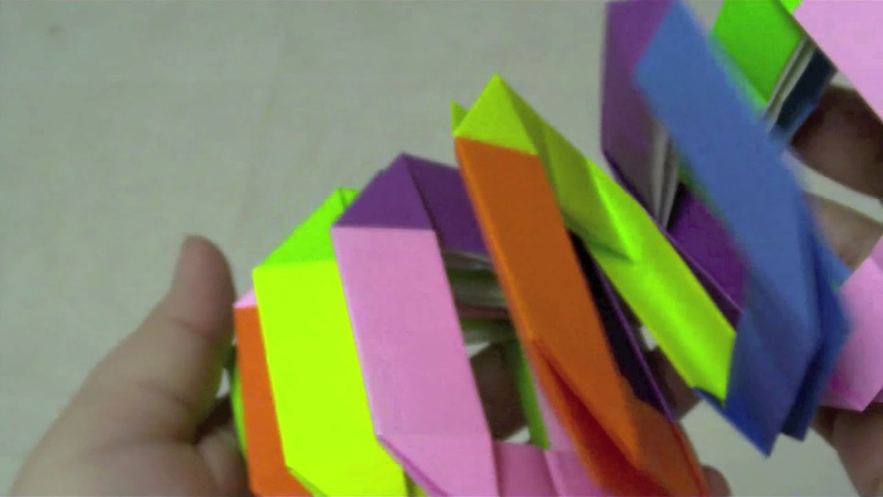 How to Make a Paper Slinky - Easy Tutorials - YouTube | 720x1280