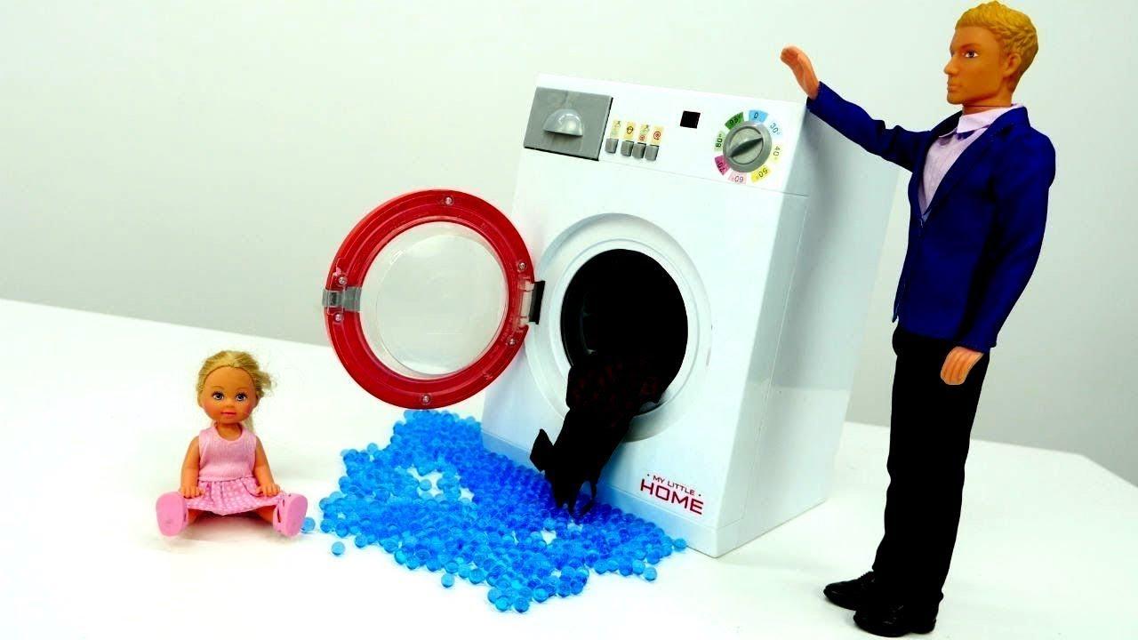 spiel mit barbie die waschmaschine ist kaputt video f r. Black Bedroom Furniture Sets. Home Design Ideas