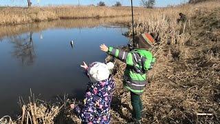 Берите ДЕТЕЙ на РЫБАЛКУ Или Рыбалка Всей СЕМЬЕЙ
