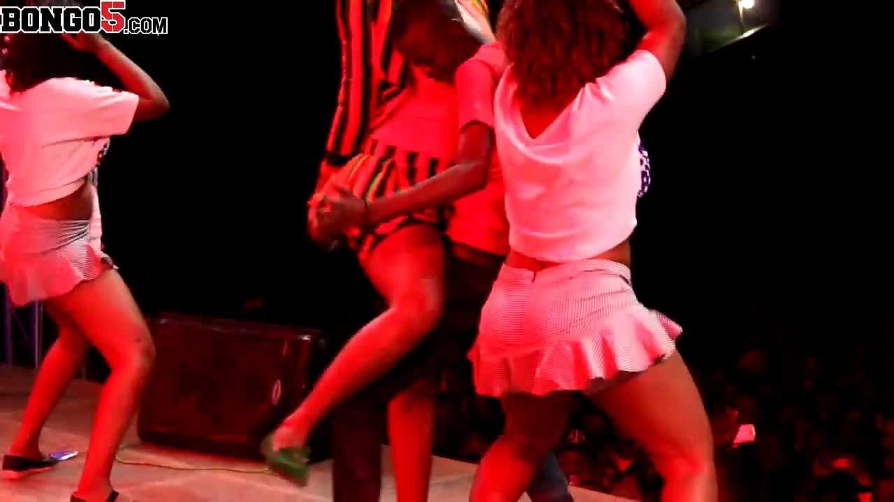 Download Mwanadada Shilole afanya makubwa fiesta 2013 Dodoma 1)
