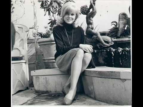 Sue Lyon. Homenaje