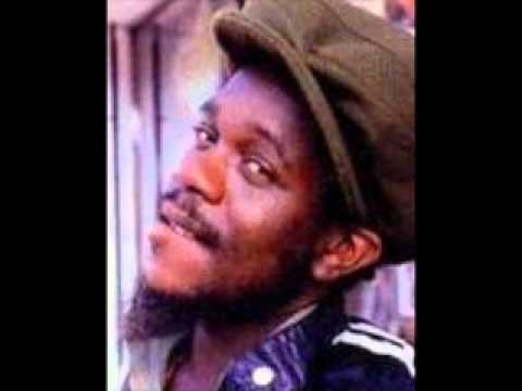 Delroy Wilson - Hanging On The Wall