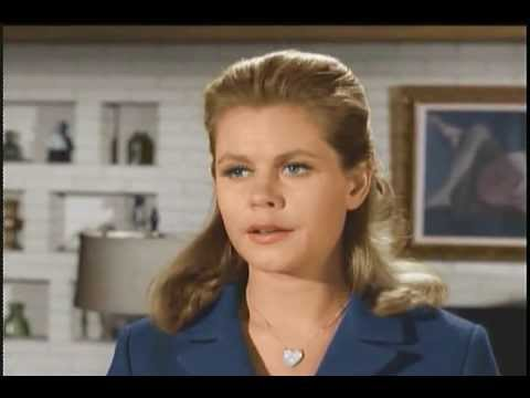 Bewitched - What's Wrong with this Scene?