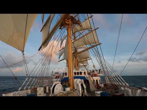 Sail Away ! Royal Clipper in the Grenadine and Windward Islands