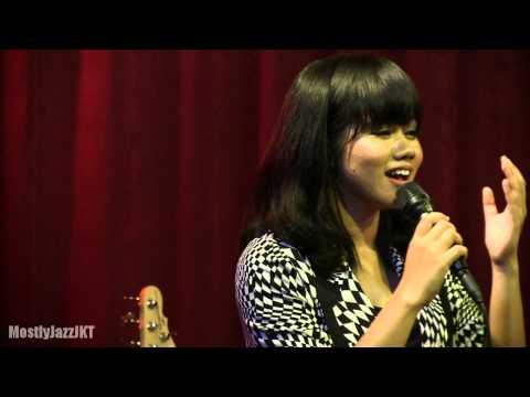 YURA - Berawal Dari Tatap @ Mostly Jazz 15/05/14 [HD]