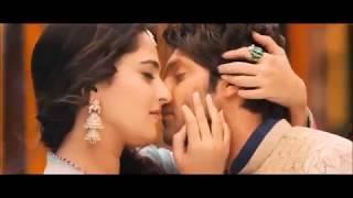 All sex kiss scene of Anushka Shetty, very hot!