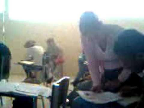 Chicas manoseadas en la escuela