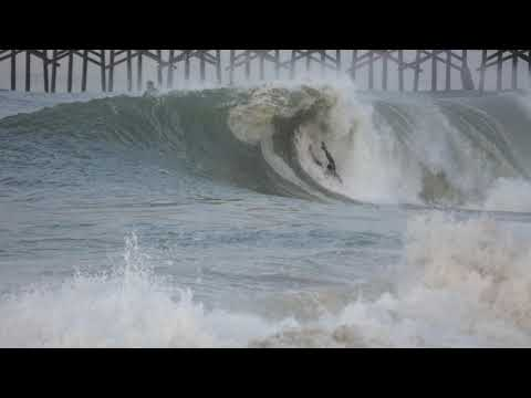SEAL BEACH SURF RAW / Barrels & Wipeouts 12-18-18