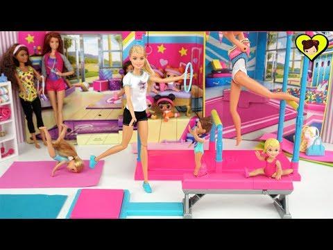 Barbie Competencia de Gimnasia con Muñecas que Hacen Piruetas