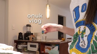 (SUB)오눅 브이로그. 새 집에 친구들 초대 진짜 집들이 feat.마켓컬리. 하키솜 여섯번째 생일.