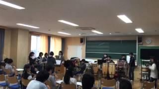 Урок музыки в японской школе