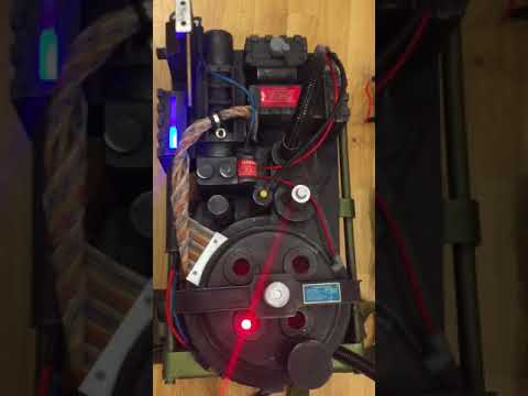 ghostbusters-benofkent-proton-pack-and-matty-wand-prop-replica-pack-80%