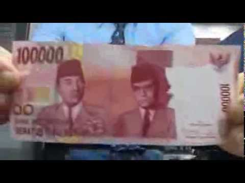Algerian currency and the zoo.... Only in Algeria