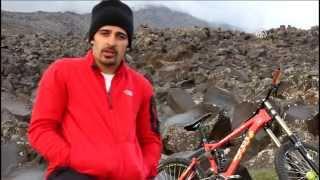 Ağrı Dağı'nın zirvesinden bisikletle indi