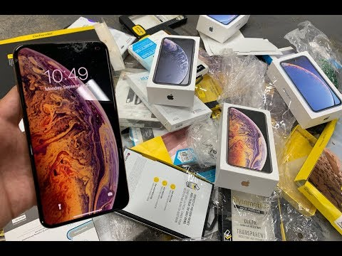 FOUND WORKING IPHONE XS MAX!! APPLE STORE DUMPSTER DIVING!!