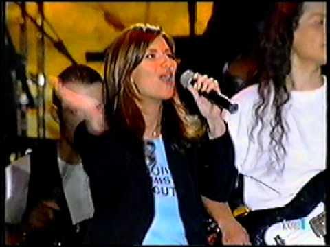 Laura pausini escucha tu coraz n homenaje a miguel for Laura pausini ascolta il tuo cuore