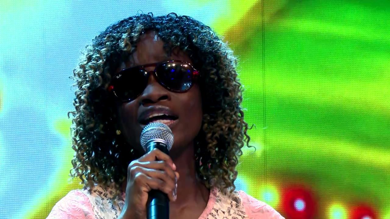 Download Replay Episode 5  -  Karelle, la jeune artiste aveugle émeut par son talent