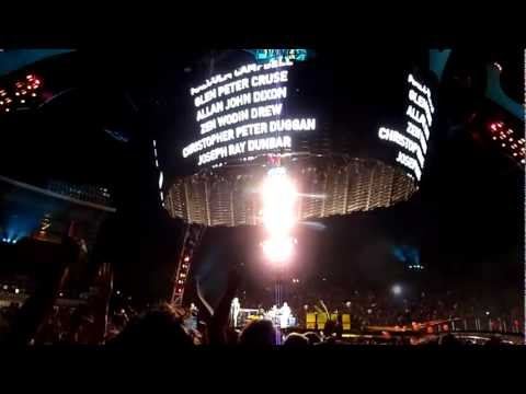U2 - One Tree Hill (U22 Multicam Live From Auckland)
