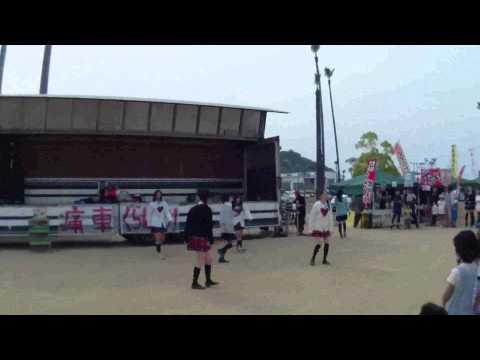 痛車グランプリ内イベント・女子高生によるダンスパフォーマンス♪