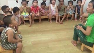 Bé Ong Sài Gòn - Ong và Bướm