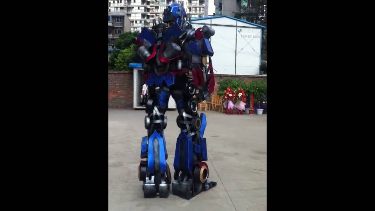 Robots Transformers Costumes Show Transformers Optimus Prime Costume for Adults Height 2.7 meters & Robots Transformers Costumes Show Transformers Optimus Prime Costume ...