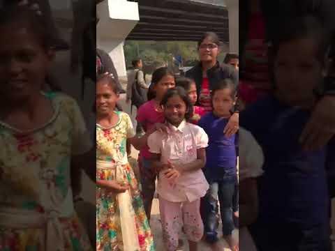 Helping hands team with Delhi slum kids & students1