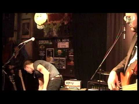 Ben Poole - Hanging in the balance - Live in Bluesmoose café