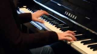 Apple iPhone 5-Music Everyday Commercial (Red- Rob Simonsen) PIANO COVER