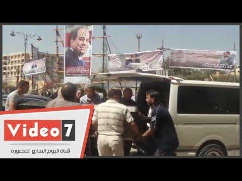 وصول جثمان والد زوجة عبد الحكيم عبد الناصر لمسجد السيدة نفيسة