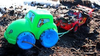Lightning McQueen, Matr and Tractor. Disney Cars 3 Toys Video for Kids